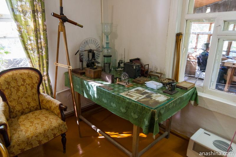Подзорная труба и физические приборы, дом Циолковского, Калуга