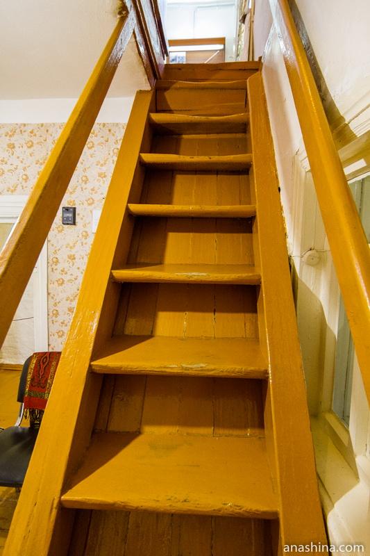 Лестница-трап на второй этаж