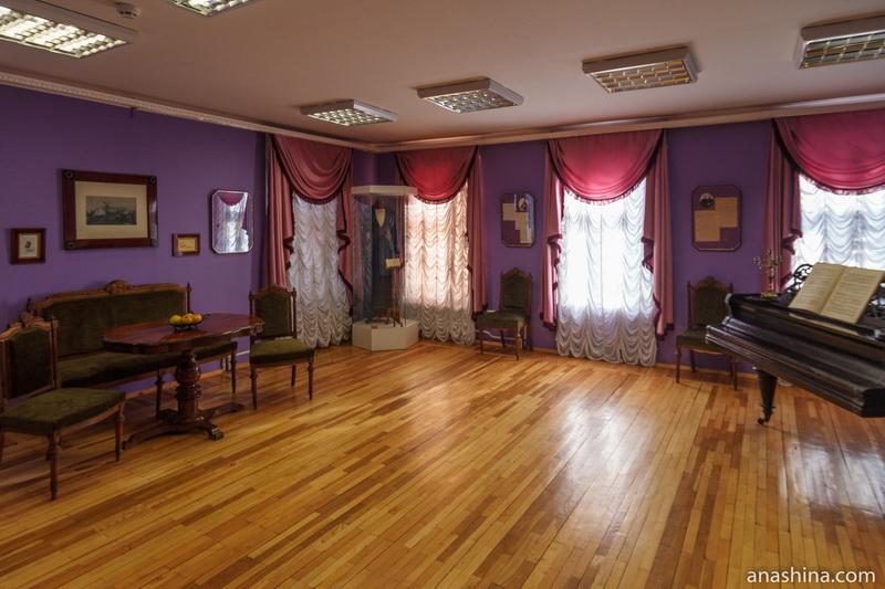 Гостиная в доме Можайского, Вологда