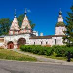 Суздальские монастыри и слободы