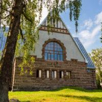 Лютеранская кирха и памятник финским солдатам «За Родину» в Мельникове