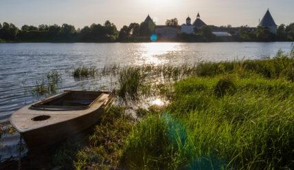 Деревня Чернавино и окрестности: Любшанская крепость, курганы, погост и другие древности