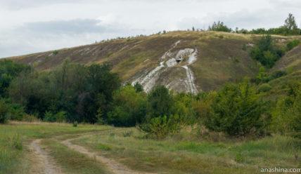 Пещерный храм в меловых горах недалеко от села Пески в Воронежской области
