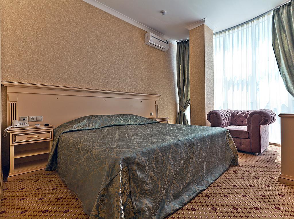 """Отель """"Триумф"""", Краснодар"""