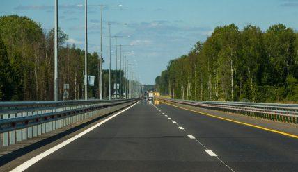 Скоростная трасса М-11 Москва — Санкт-Петербург: плюсы и минусы