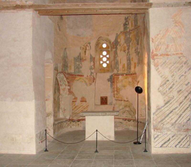 Интерьер церкви Спаса Преображения на Нередице. 2011 год