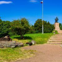 Петровский парк в Выборге и его достопримечательности
