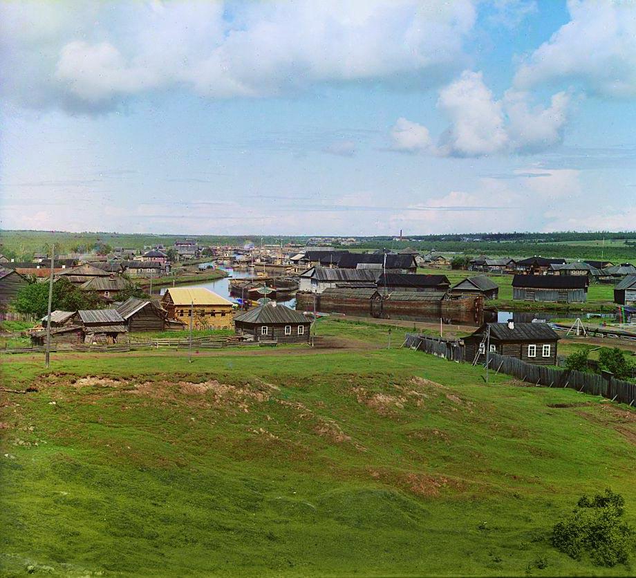 Вид на город и реку Вытегру. Снимок сделан в северо-западном направлении в сторону Онежского озера