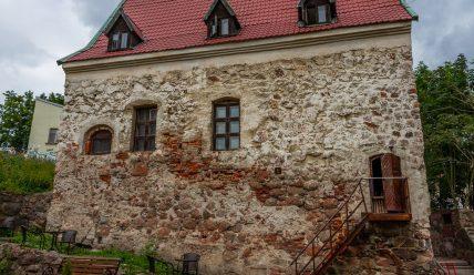 Четыре средневековых дома-крепости в Выборге