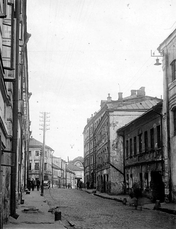 Мокринский переулок. Вид со стороны Москворецкой улицы. Фото 1940-1941 годов