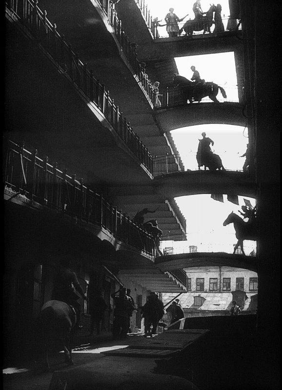 """Эпизод фильма """"Стачка"""", реж. С. Эйзенштейн, 1925 год"""
