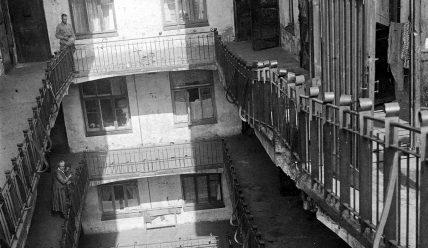 «Дом-корабль» в старом Зарядье и другие дома с «галдарейками» в Москве