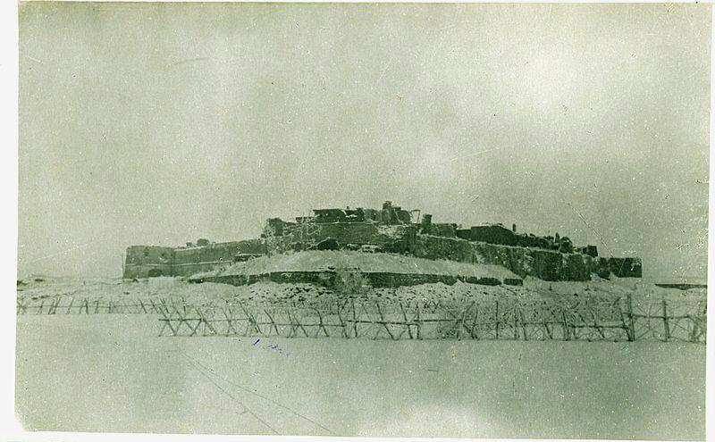 Шлиссельбургская крепость после многократных обстрелов немецкой артиллерией. 1943 год
