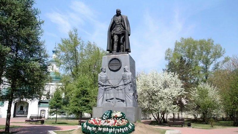Памятник Колчаку около Знаменского монастыря, Иркутск