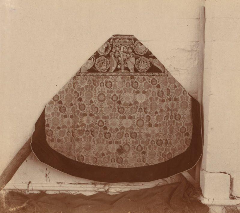 С. М. Прокудин-Горский. Фелонь, шитая царевнами, сестрами Петра I. 1911 год