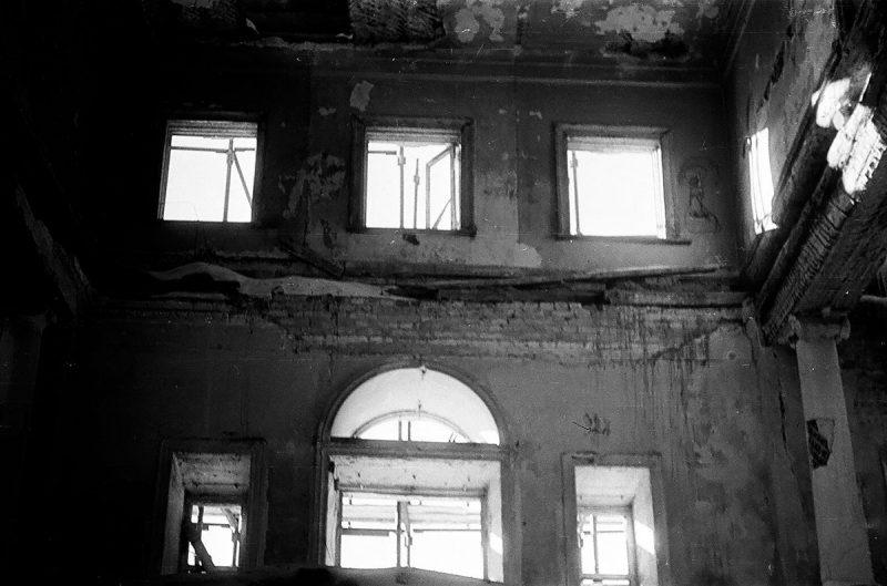 Фрагмент одного из залов главного дома в Ольгово, март 1972 года