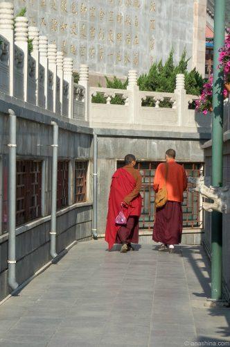 Монахи в Бадачу 八大处, Пекин
