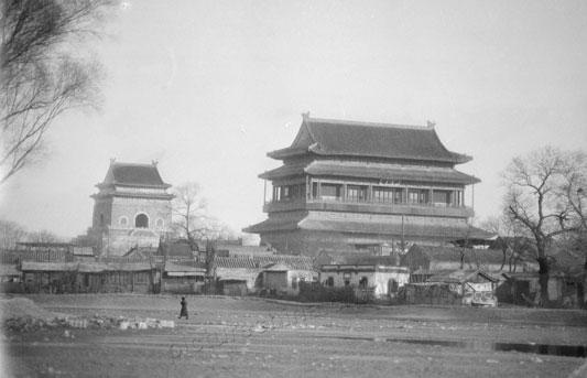 Колокольня и Барабанная башня в прошлом