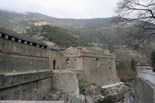 Вильфранш-де-Конфлан и форт Либерия в Пиренейских горах во Франции