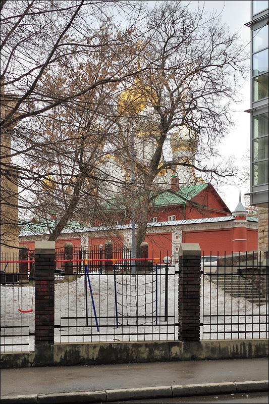 Стены и Собор Зачатьевского монастыря