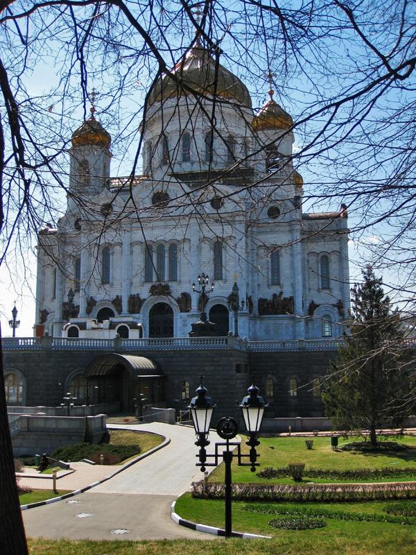 Сквер у Храма Христа Спасителя