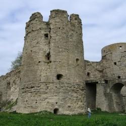 Северная и Южная башни крепости Копорье