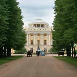 Павловский дворец и Тройная Липовая аллея