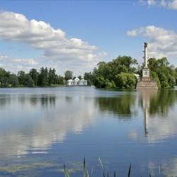 Екатерининский парк, Большой пруд, Грот и Чесменская колонна
