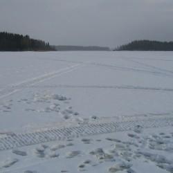 Селигер подо льдом