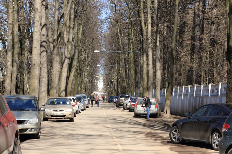 Машины на Пасечной улице