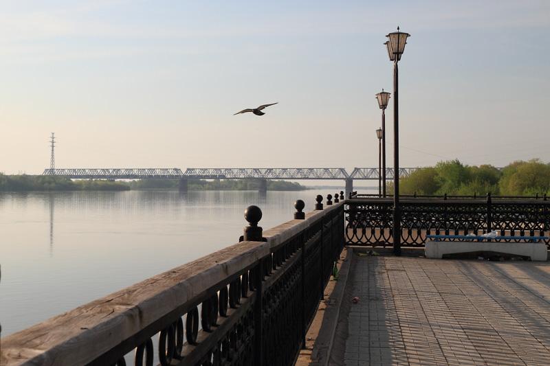 Муром, набережная и железнодорожный мост через Оку