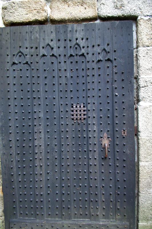 Мон-Сен-Мишель, дверь в тюремную камеру