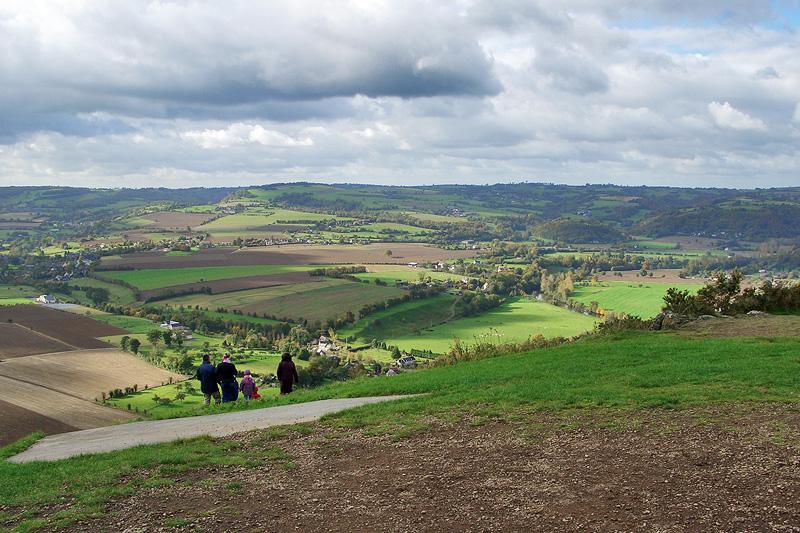 Панорама Швейцарской Нормандии, открывающаяся с пика Сент-Омер