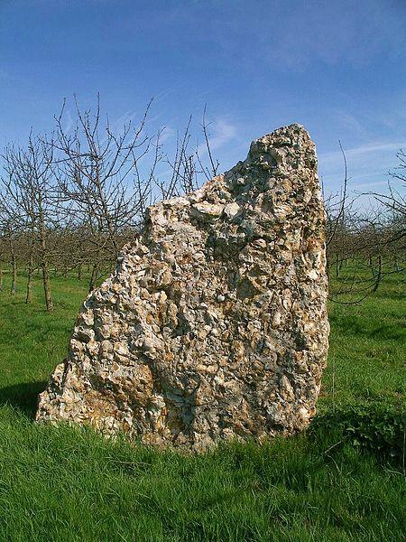 Менгир близ Виллервиля, Нормандия