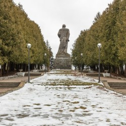 Памятник Ленину в Дубне