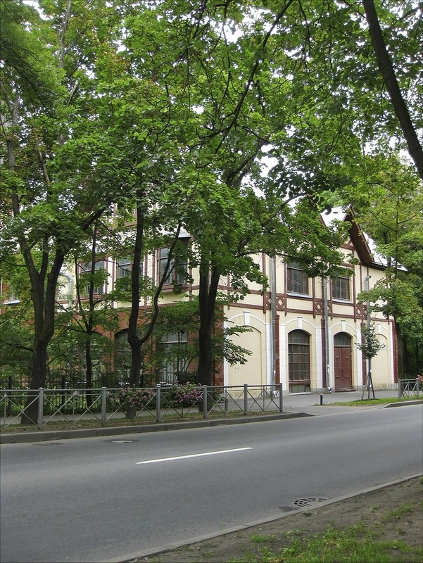 Магазин Гвардейского экономического общества, Пушкин