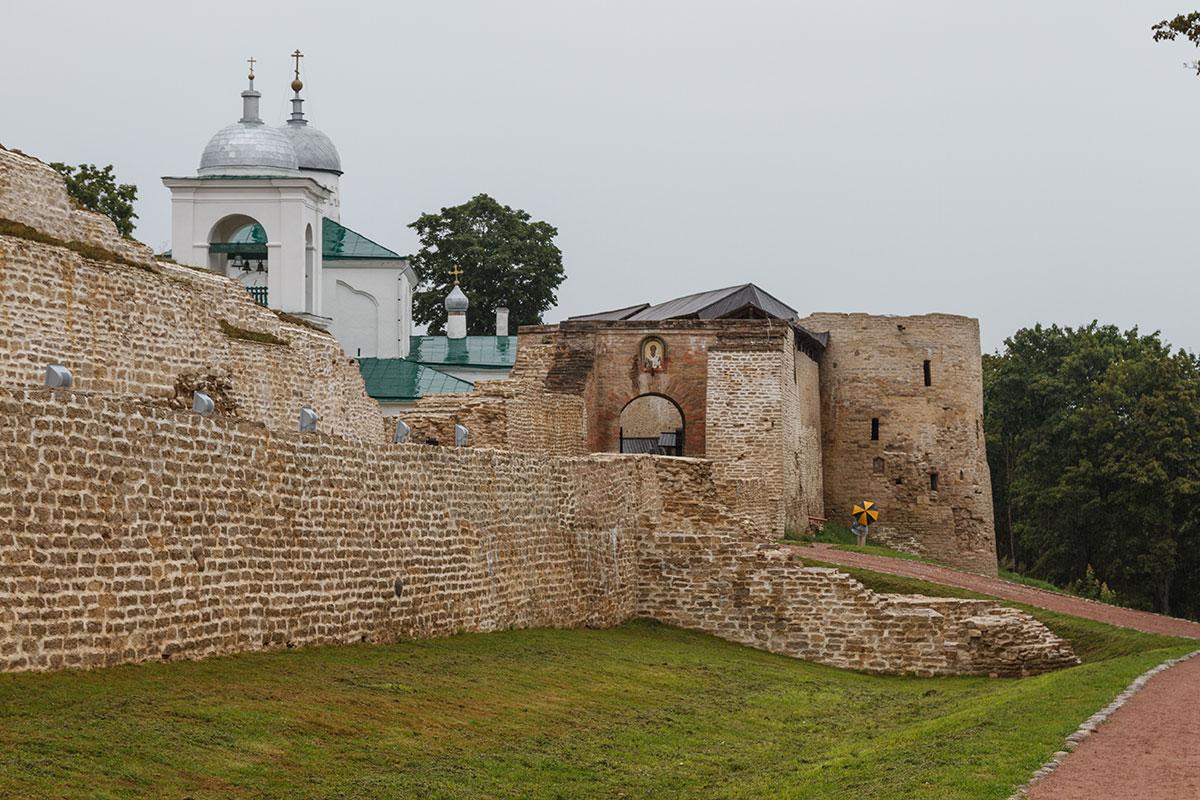 Изборск, крепость