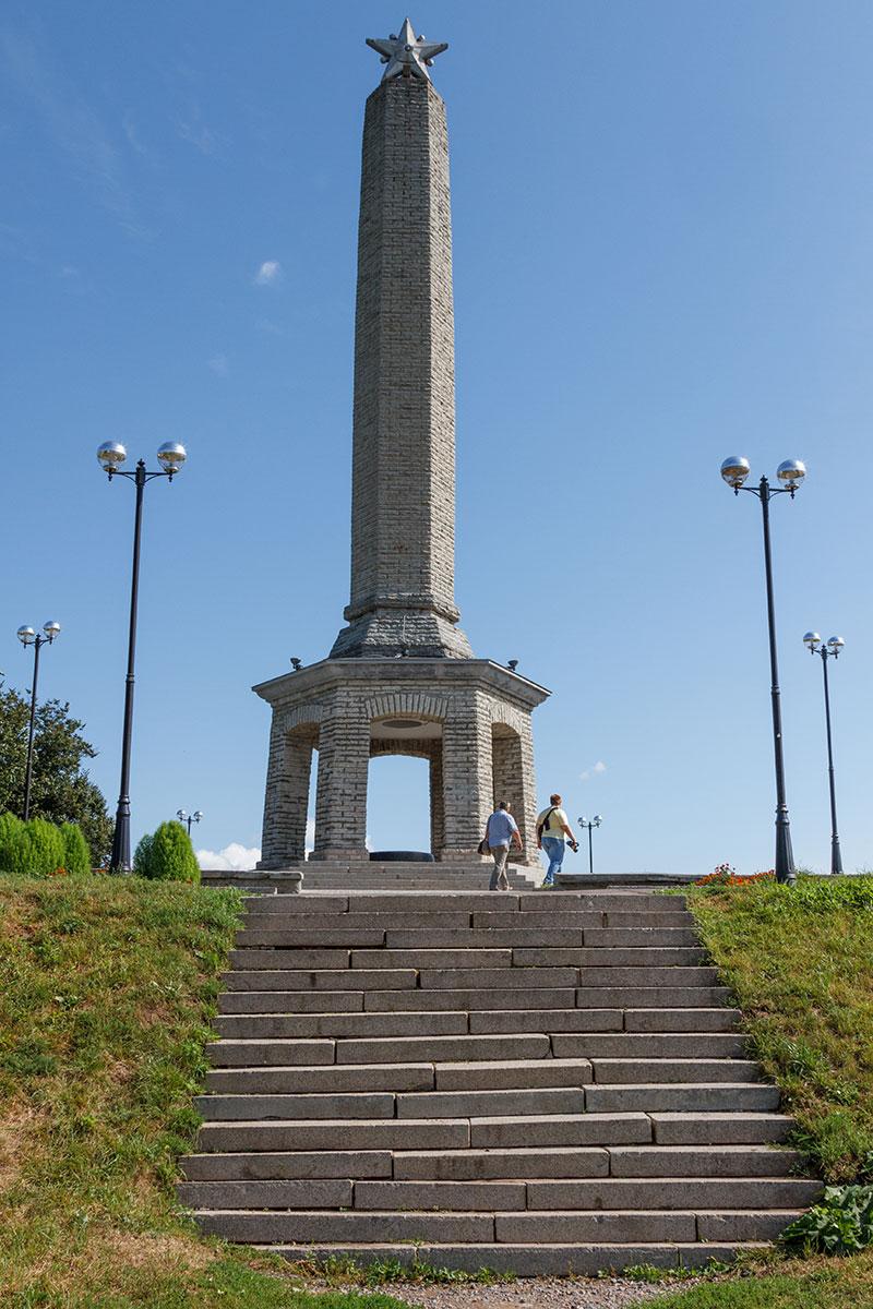 Памятник воинам-освободителям, Великие Луки