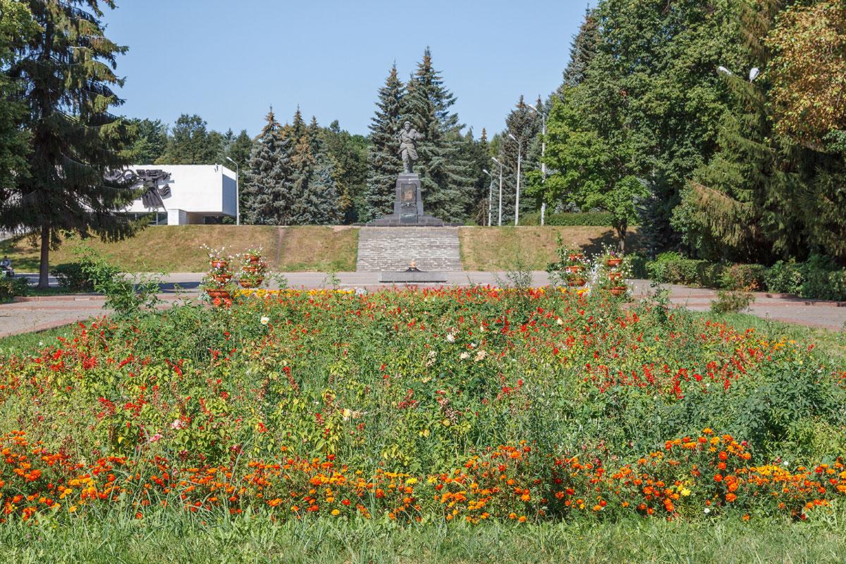 Великие Луки, памятник Александру Матросову